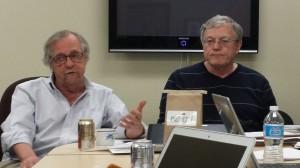 COMAP总裁Sol GarfunKel博士(左)和ICM主席Chris Arney教授(右)